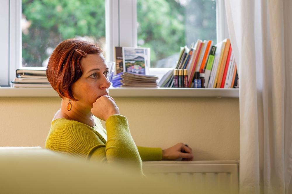Dresden-Klotzsche, Naturheilpraxis Luise Jakubeit. Im Bild Frau Jakubeit im Gespräch Copyright: Reiko Fitzke / rficture.com